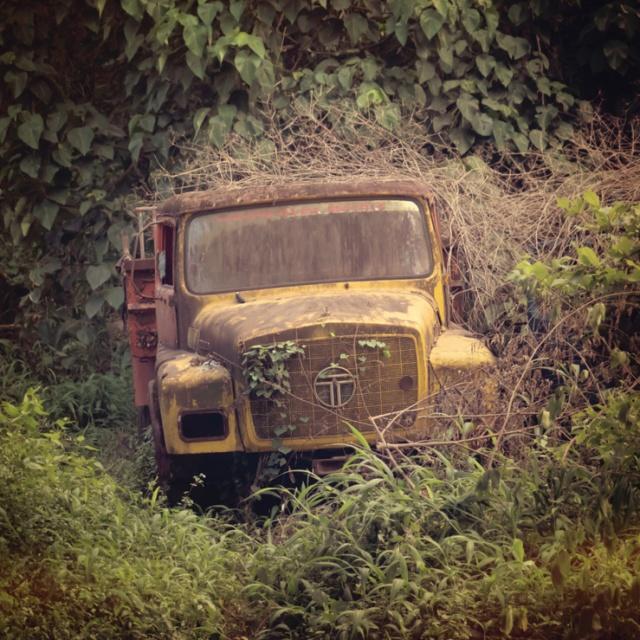 055 - abandoned lorry
