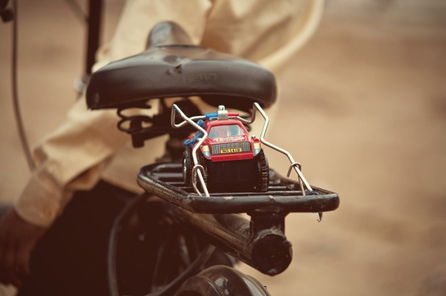 099 - bicycle seat toy